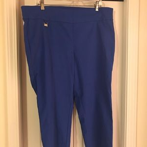 NWT Ladies Stretch Capris by Rafaella. Size 18